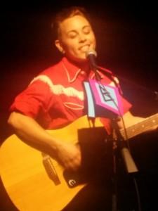 Oliver Gold crooning