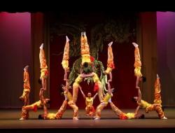Peking_Acrobats-1[1]