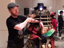Dr. Who actor Tony Curran and Dalek at Seattle's 2016 Steamposium convention. Photo: Korra Q